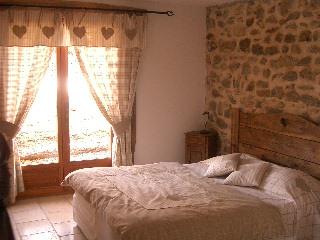"""rideaux, dessus de lit et coussins """"montagne"""""""